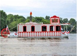 Venetian Night on the Fox River party