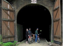 Elroy bike trail tunnel 2017.